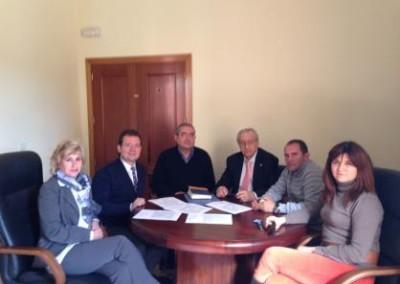 Reunión de los alcaldes de El Espinar, Sta María de la Alameda, Peguerinos y representantes de CyTs.